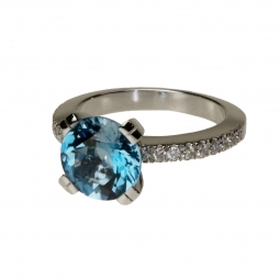 CRÉATION SEILER<br /> Ring - Weissgold<br /> Aquamarin/Diamanten